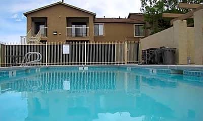 River Glen Apartments, 1