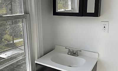 Bathroom, 111 John St, 1