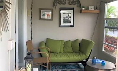 Living Room, 701 SE 7th Ave, 2