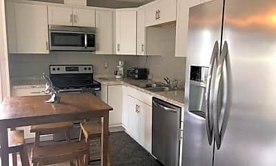 Kitchen, 2241 W Pensacola St 63, 2