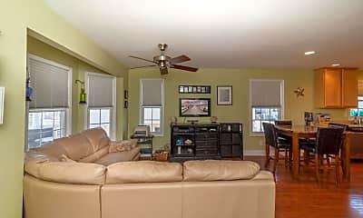 Living Room, 26 S Adams Ave, 1