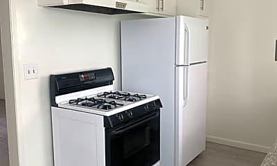 Kitchen, 1013 Ocean Park Blvd, 1