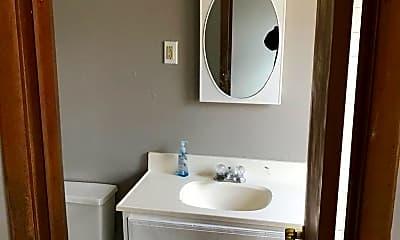 Bathroom, 910 9th St, 1