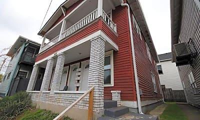 Building, 305 Woodbine St, 0