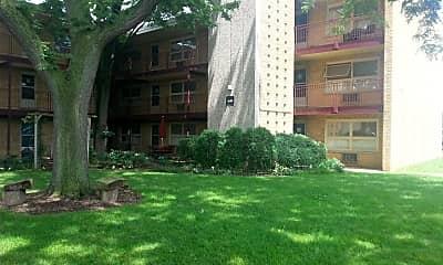 Building, Forest Glen, 2