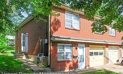 Building, 3546 S Lynn St, 1
