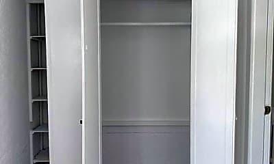 Bathroom, 109 Prospect St, 1