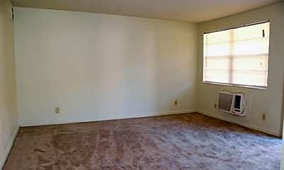 Caliente Apartments, 2