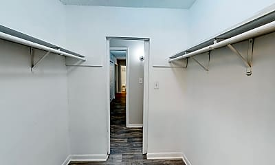Room for Rent -  a 6 minute walk to bus stop Snapf, 2
