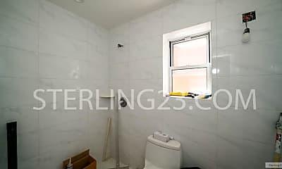 Bathroom, 21-43 32nd St, 2