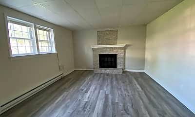 Living Room, 1212 Payne St B-, 1