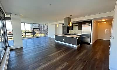 Living Room, 9 MacArthur Pl S702, 1