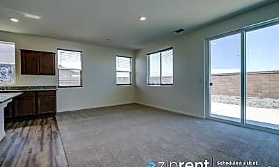 Living Room, 4548 Mccormack Rd, 1