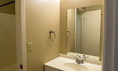 Bathroom, 522 Arrow St, 2