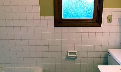 Bathroom, 4 Curtis Ct, 2