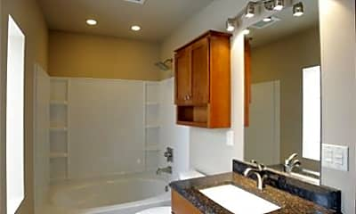Bathroom, 621 Sycamore St, 2