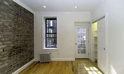 Living Room, 333 E 71st St, 1