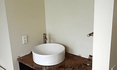 Bathroom, 617 NW 17th Ave, 2