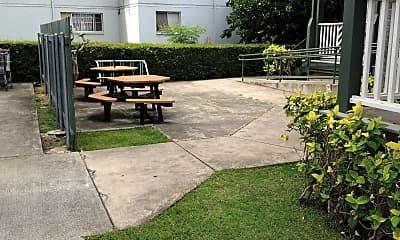 Pualani Manor, 2