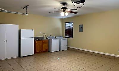 Kitchen, 3829 Cochran St, 2