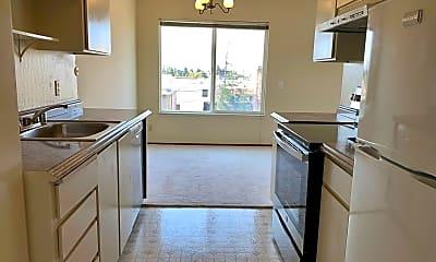Kitchen, 121 41st St, 1