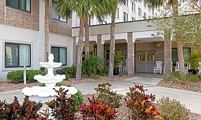 Courtyard, Central Manor Apartments, 1