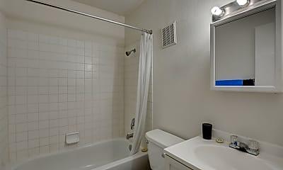 Bathroom, 1500 E Fremont St, 2