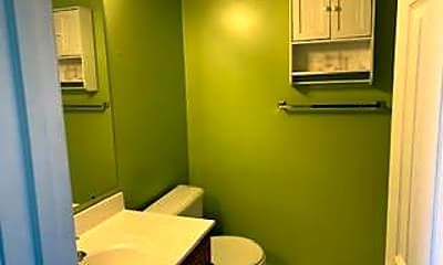 Bathroom, 2007 Starlight Ln 3B, 2