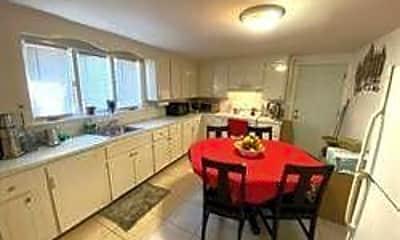 Dining Room, 68 Clark St, 0
