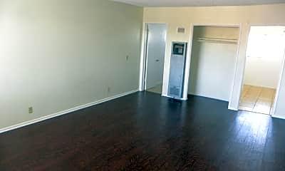 Living Room, 13457 S Inglewood Ave, 0