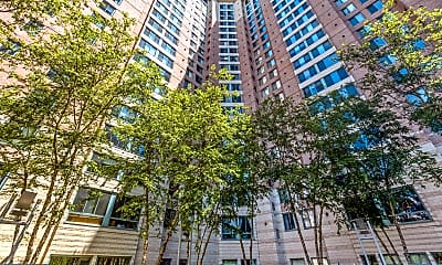 Building, 851 N Glebe Rd 1111, 1