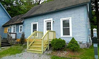 Building, 167 Pleasant St A, 1