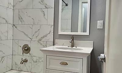 Bathroom, 810 E 15th St, 2