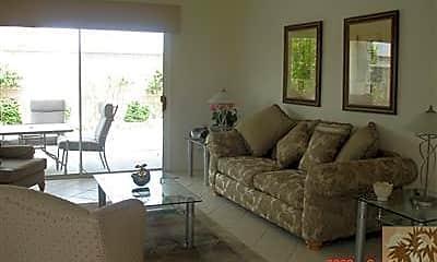 Living Room, 39830 Somerset Ave, 1