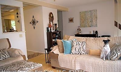 Living Room, 46-415 Kahuhipa St, 1