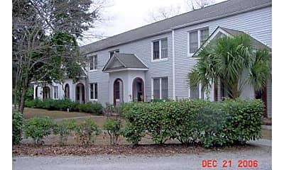 Building, 20 Warren Ct 8, 0