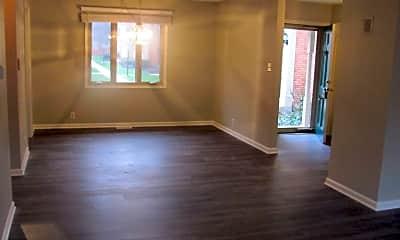 Living Room, 1121 Canterbury Ct, 1
