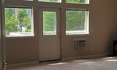 Living Room, 621 E Lakeside Ave, 1