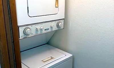 Bathroom, 1527 14th Ave S, 2