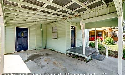 Patio / Deck, 908 St Charles St, 1