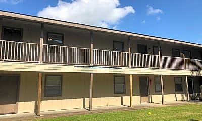 Building, 400 Live Oak St, 1