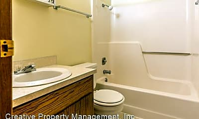 Bathroom, 700 6th Ave SW, 2