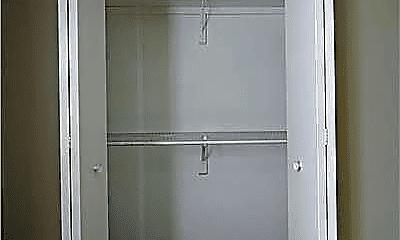 Bathroom, 4225 Roth Ln, 2