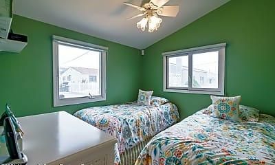 Bedroom, 31 E Penguin Way, 2