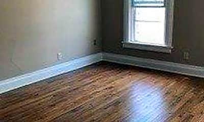Living Room, 1113 E Johnson St, 1