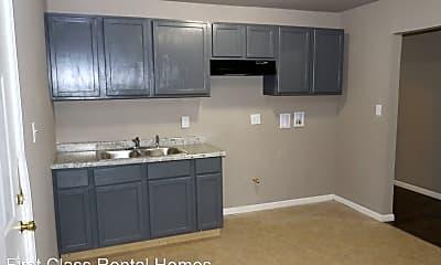Kitchen, 1034 Matthews St, 2