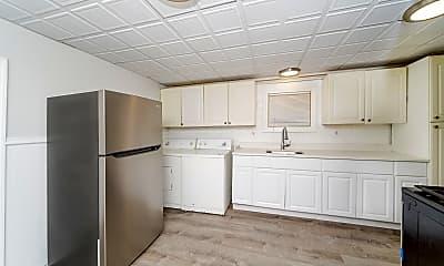 Kitchen, 169 Hutton St, 1