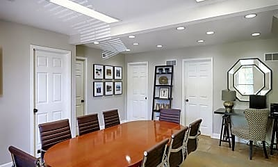 Dining Room, Hunter's Pointe Apartments & Townhomes, 2