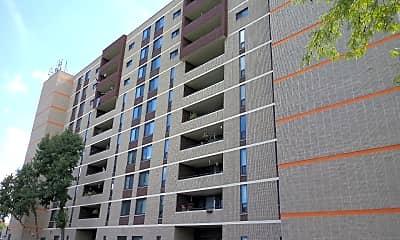 Hershey Plaza Apartments, 2