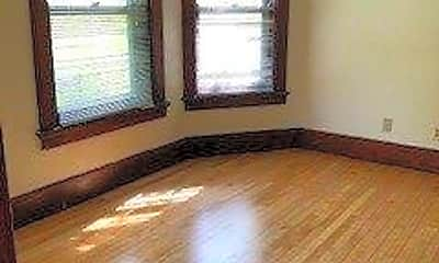 Bedroom, 11 N Franklin St, 2